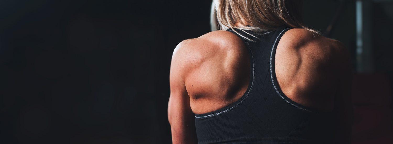 Kvinde i træningstøj