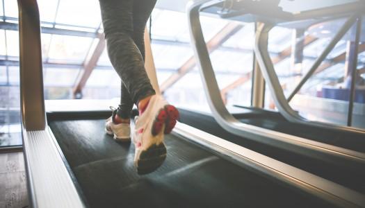 Sådan træner du på løbebånd – 7 gode tips til at komme i gang